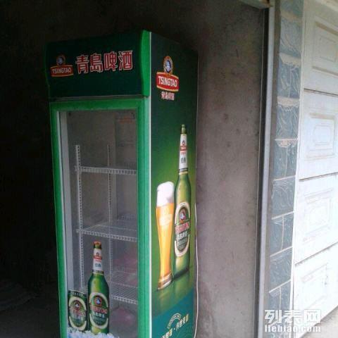 个人闲置青岛啤酒展示柜低价转让