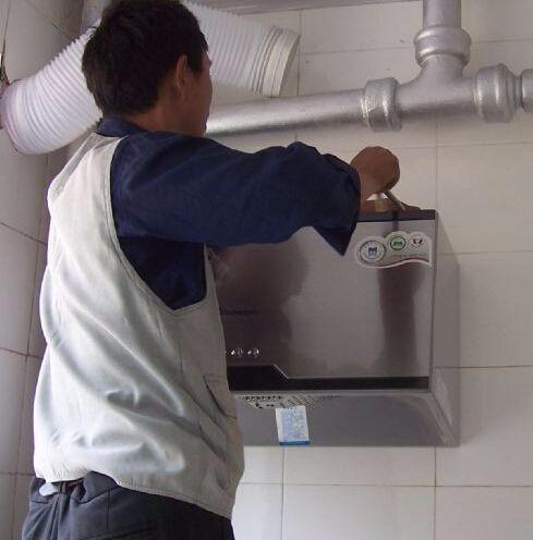 杭州富阳专业维修燃气灶售后电话 上门维修