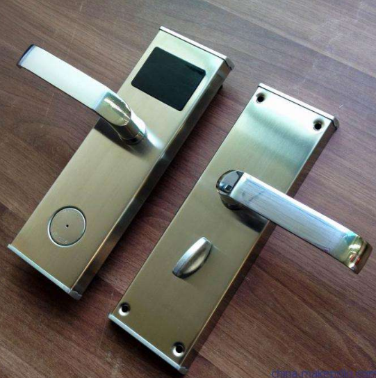 崇左专业维修宾馆感应门锁换锁配汽车钥匙配感应卡扣