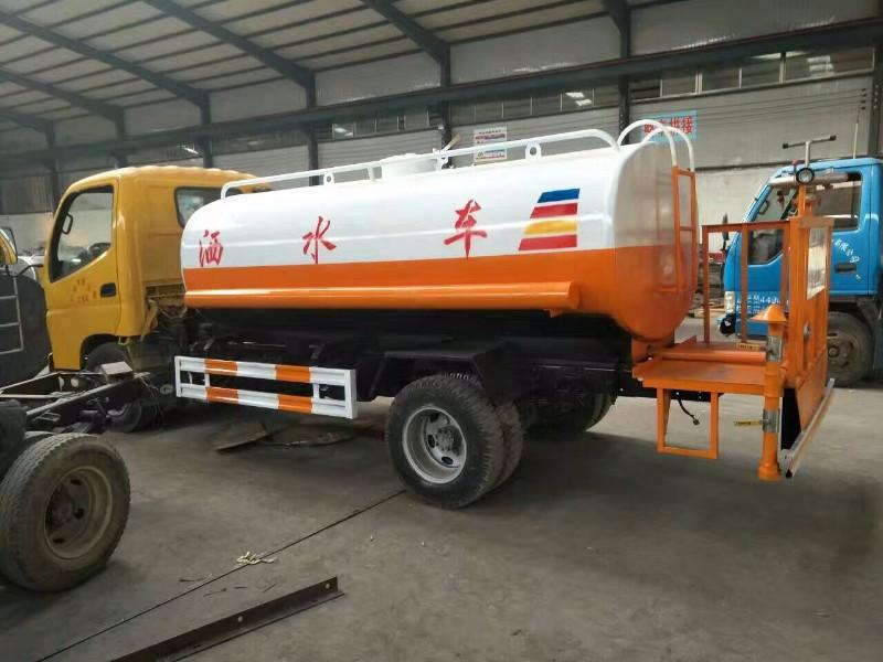 咸阳出售绿化洒水车的厂家在哪里 咸阳洒水车价格