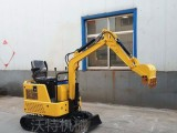 15型小型多功能水冷挖掘机全地形挖掘机