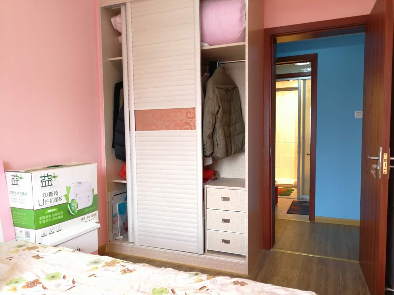 世茂国际精装两房 可改三房全新未住人 房东苏州发展 首付三成