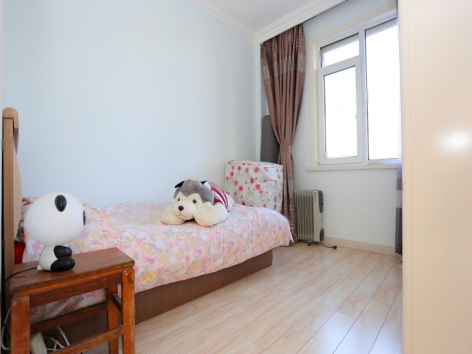 海尚明珠 龙王塘 配套齐全 精装修两室楼层高楼层采光好
