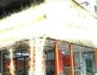 村口出入口,三个门头,只能做便利店。