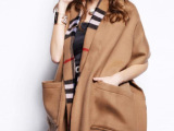 新款经典格子英伦风羔羊绒双面加厚大口袋披肩 保暖围巾