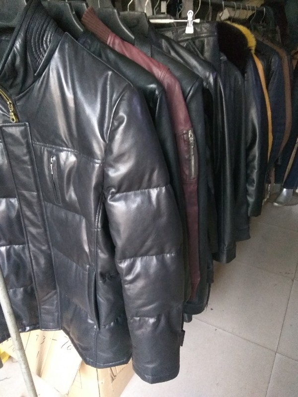 裤装批发零售皮衣皮裤皮具定做加工护理修补换片换拉链