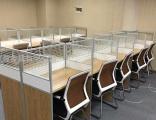 成都包安裝辦公桌辦公家具現代鋼架辦公桌屏風隔斷