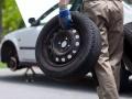 广州流动补胎 搭电更换电池 修车,24小时上门服务