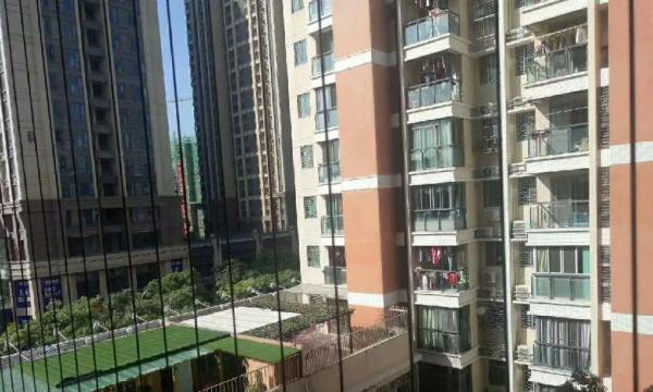 金凤雅轩 5楼 2房2厅 现代装修 2600/月
