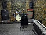 上海出租乐器吉他音箱贝斯音箱架子鼓电钢琴电子鼓吉他贝斯电子琴