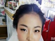 阿荣美甲化妆造型为各位新娘专业提供一对一的新娘跟妆