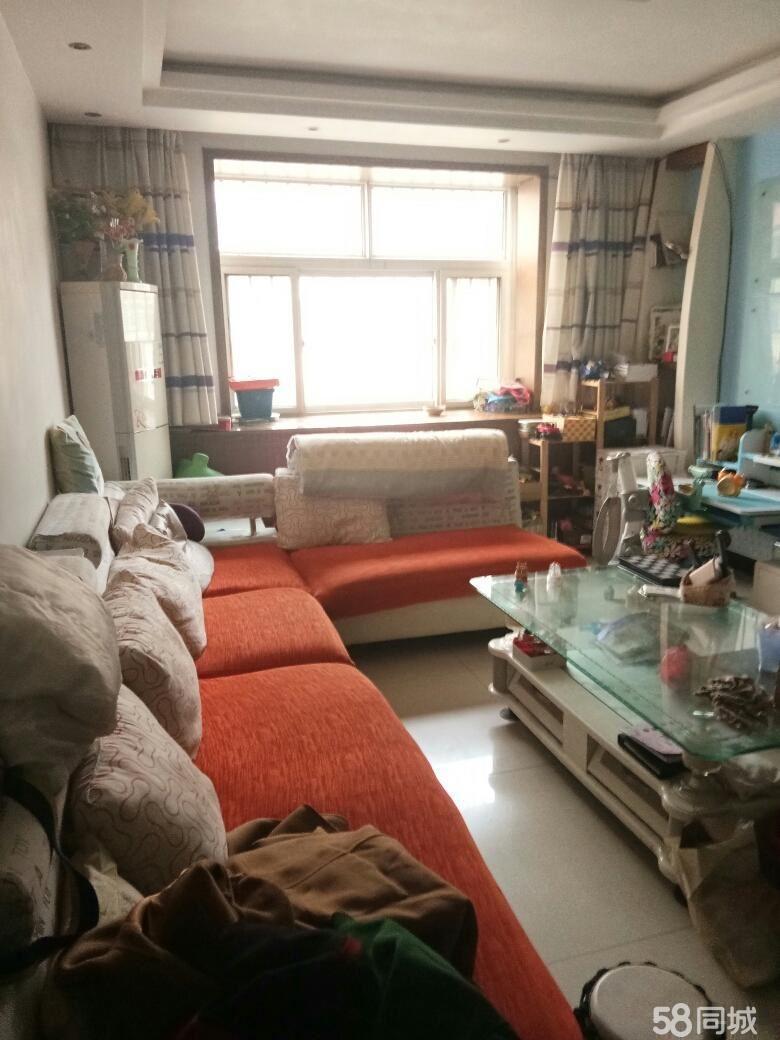 精装4楼,3室朝阳,免大税带储藏室20平