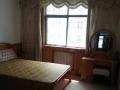 电视台北南岱庄4楼3室1厅98平,家具家电暖,1200元。