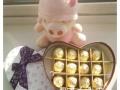 玫瑰花礼盒正品费列罗巧克力礼盒送给心爱的她同城配送