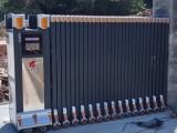成都捷鷹科技為重慶工程部安裝伸縮電動門