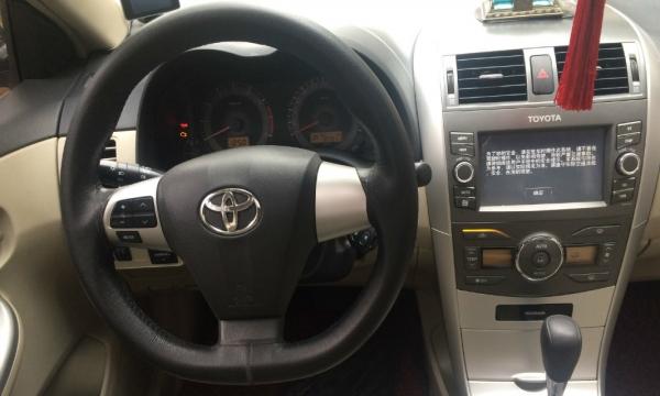 丰田卡罗拉2013款 卡罗拉 1.6 自动 GL 炫酷特装版 精品好车 不容错过
