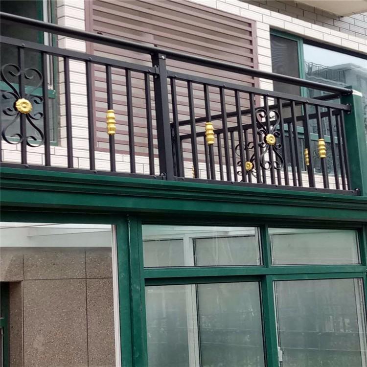 山东国安兴业供应各种规格阳台护栏,锌钢阳台护栏,阳台护栏价格