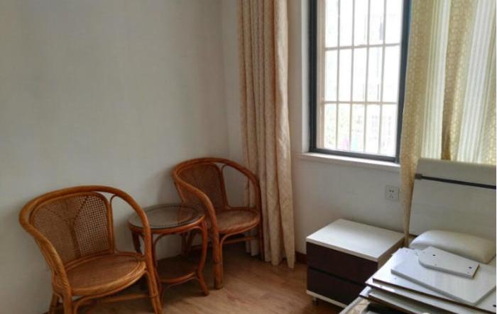 人民路 谐水湾一期 2室 1厅 54平米 出售