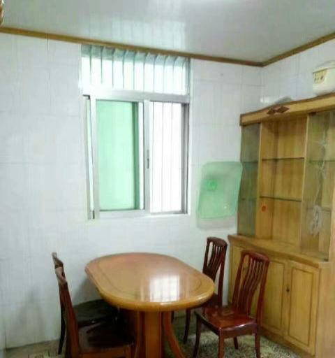 兰花 培英园中区6楼 4房2 家私家电齐 位置好周边生活方便