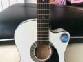 低价出售全新吉他