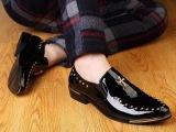 编号 2888 秋季新款亮皮鞋韩版潮鞋布洛克男鞋皮鞋休闲鞋柳钉鞋