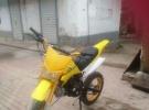 出售一辆中号越野蚂蚱一百两轮摩托车黄色车身倒插减震1元
