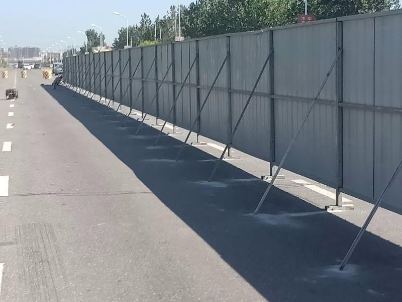 天津宁河区安装彩钢围挡板厂家,订zuo各种尺寸彩钢围挡厂