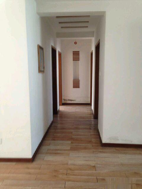 宝庆家园 3室2厅2卫 外加储藏室