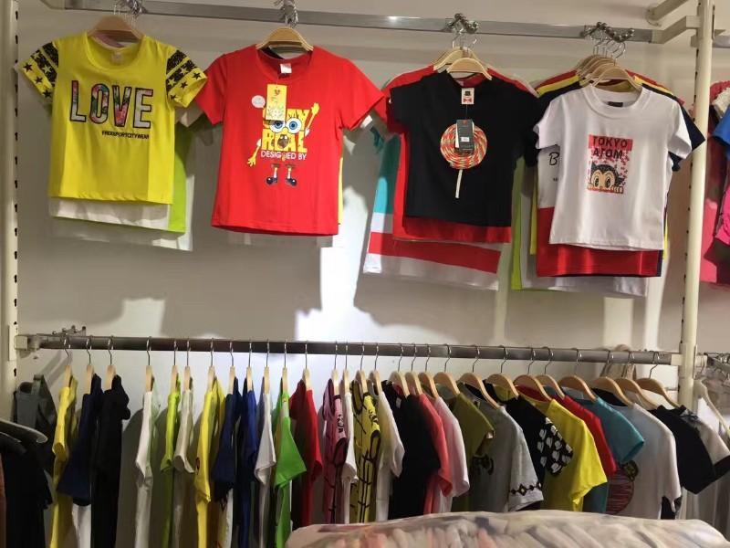 武汉厂家直销 四季服装,外贸服装,库存尾货,品牌剪标尾货