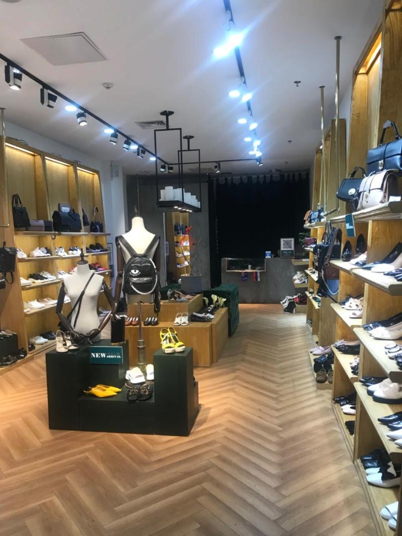 (个人)朝阳望京商场50平商铺-可做服装,鞋,配饰(可合作)