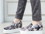 【伙拼】秋季新款帆布牛仔玫瑰花厚底内增高厂家直销温州帆布鞋女