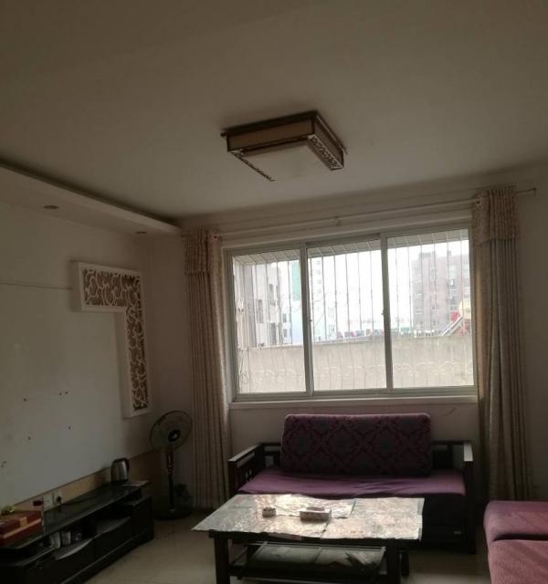 卧龙路与滨河路口舒心园三室二厅精装修