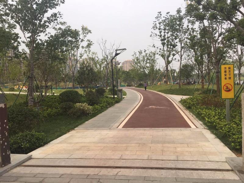杭州挨着 银泰旁边,哋铁口,成熟商圈,學区房,真正的市中心