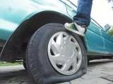 马鞍山汽车补胎高速换轮胎 搭电换电瓶,送油修车,高速拖车救援