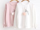 素朴 毛球兔刺绣 宽松圆领棉质T恤套头上