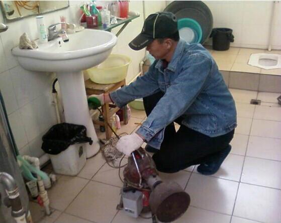 海淀区最低价维修马桶疏通下水道打捞手机清理化粪池抽粪抽污水井