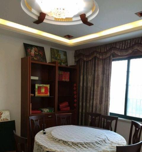 4室3厅 260平米 豪华装修 面议