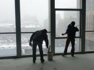 深圳亮颖保洁公司提供工厂 写字楼 商场 娱乐场所等驻点保洁