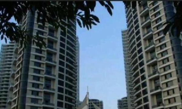 延安路海润滨江带阳台主卧600元/月,三间房,欢迎随时看房!