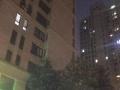带租约小区门口第壹间、万达广场旁,*爆炸地