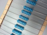 東莞市宇順塑膠電子有限公司 碳膜電阻 金屬膜電阻壓敏電阻