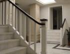 上海简约楼梯款式定制 白色直线条楼梯原木门 别墅实木楼梯