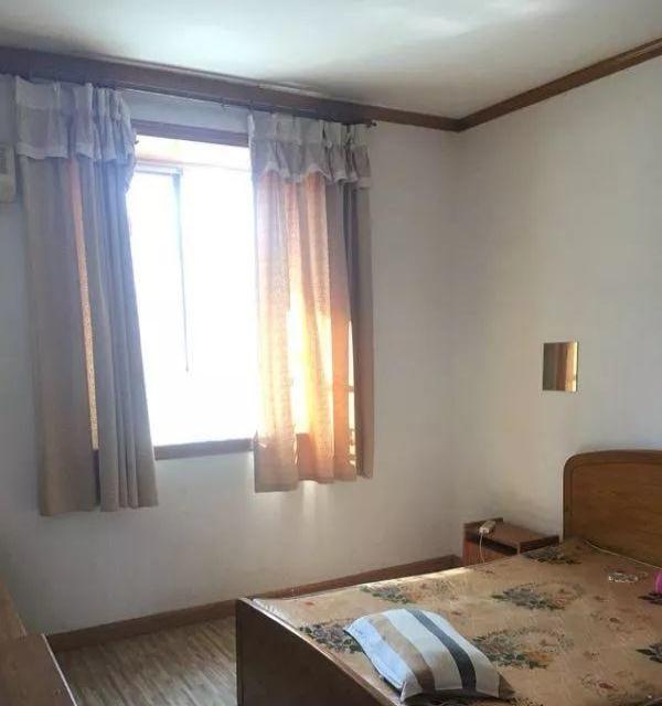 高专旁边 教育小区 2房2厅 出租 家具家电齐全 随时看房