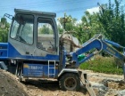 专业轮式小挖掘机出租:带破碎锤
