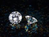 唯莫珠宝莫桑石哪个颜色贵 莫桑石能和钻石的颜色相比吗