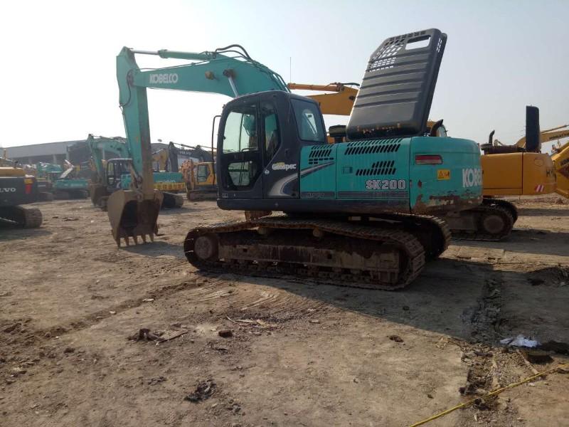 二手挖掘机出售:小松200 220 神钢200 260挖掘机