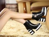 厂家直销秋冬爆款女靴 英伦单靴单侧拉链黑白拼色高跟马丁靴短靴