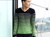 2014秋冬新款韩版时尚条纹男士修身V领长袖羊毛针织衫毛织衫