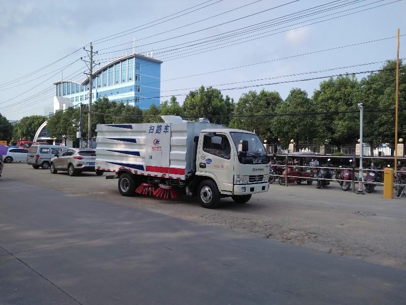 东风天锦环卫扫路车 洗扫车性能升级上市