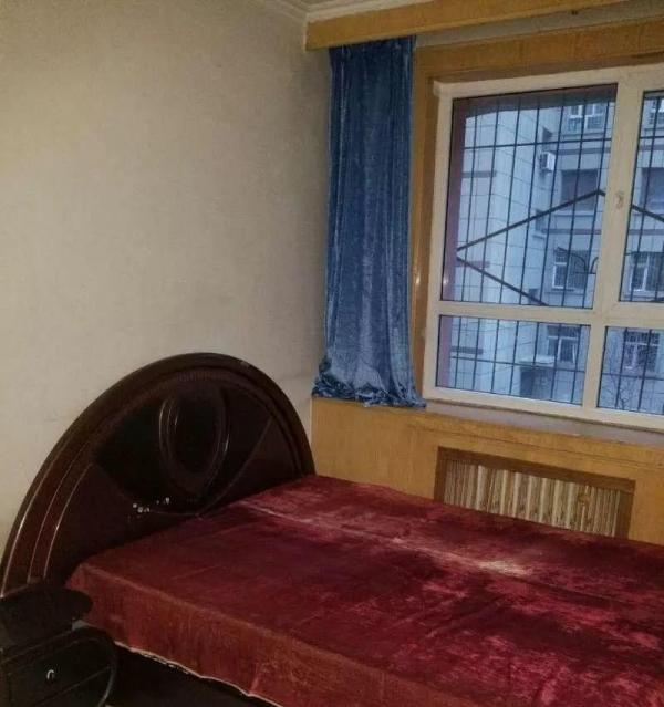 (单间出租)大成小区精装两室 家具家电齐全 拎包入住